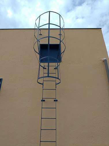Escada metálica comprar