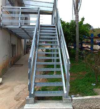 Escadas metálicas industriais