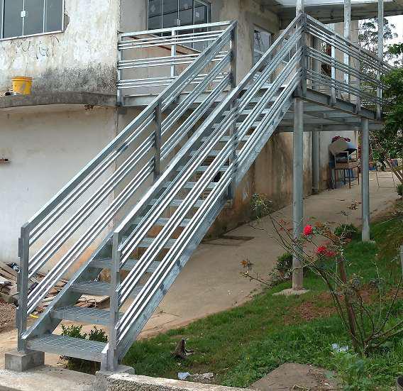 Escadas metálicas preço