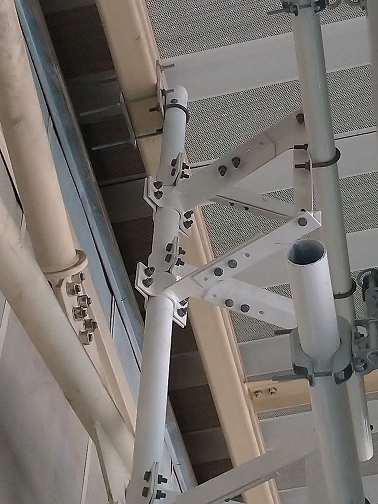 Suportes de antenas de telecomunicações