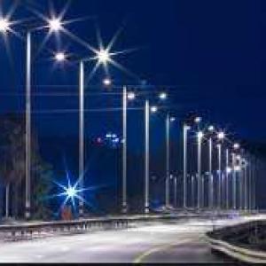 Poste metálico para iluminação publica
